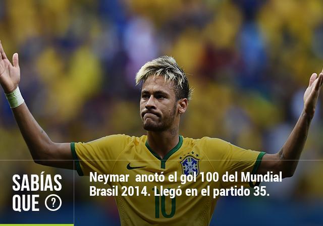 Neymar marca el gol 100 de Brasil 2014