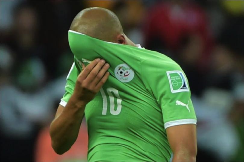 Fotografía de Feghouli tras la derrota frente Alemania