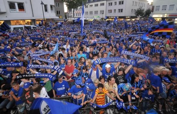 La fiel afición del Paderborn