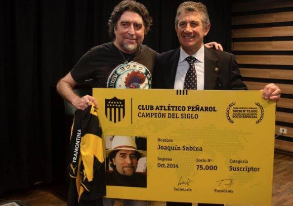 Sabina es el socio 75.000 del Peñarol.