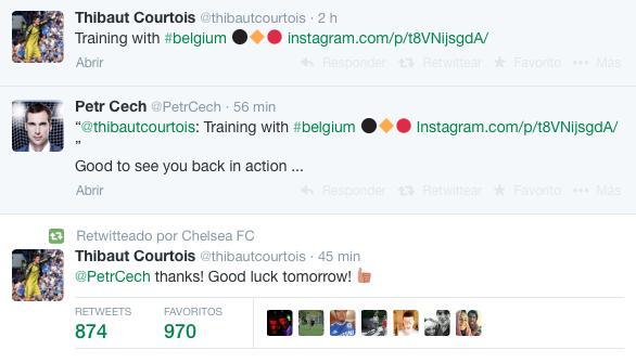 Petr Cech y Thibaut Courtois se desean éxito en sus selecciones