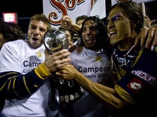 Los Pumas celebrando el campeonato del Clausura 2009.