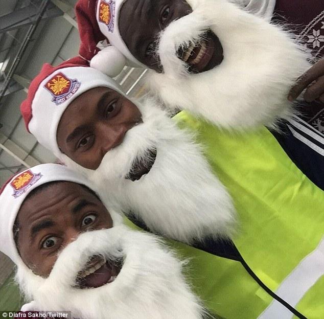 Los jugadores del West Ham se personificaron como Santa Clos hammer