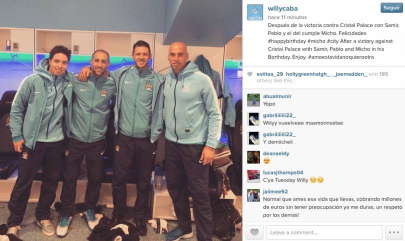 A festejar a Demichelis tras golear al Crystal Palace. Willy Caballero, Pablo Zabaleta y Samir Nasri posan en la foto