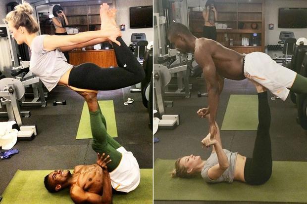 Salomon Kalou en sus clases de Yoga