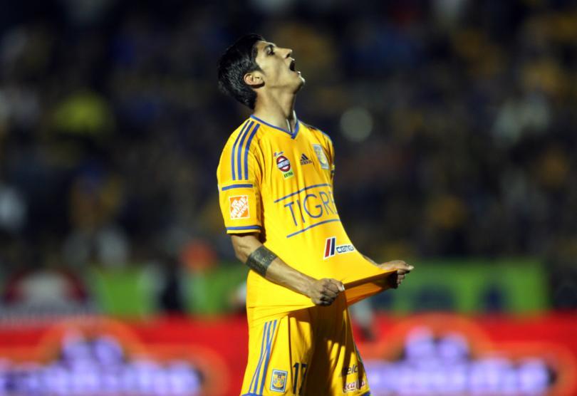 TAS confirma el fallo a favor de Tigres, y Alan Pulido deberá reincorporarse a los entrenamientos del equipo esta temporada