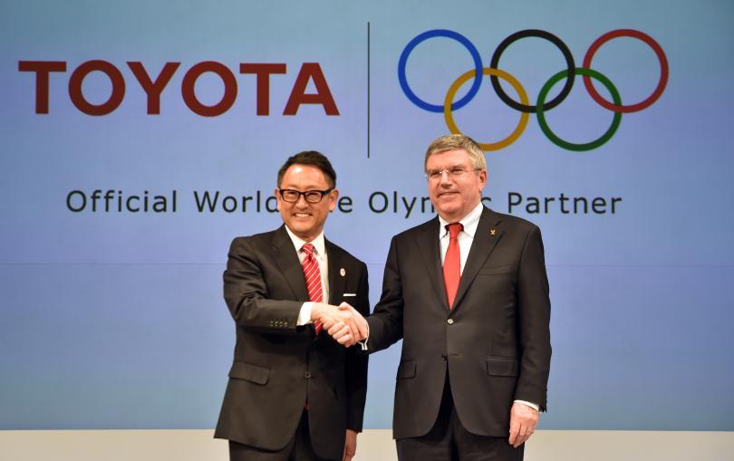 Thomas Bach, presidente del COI, con el presidente de Toyota acordaron sociedad para los Juegos Olímpicos desde 2017 hasta 2024.