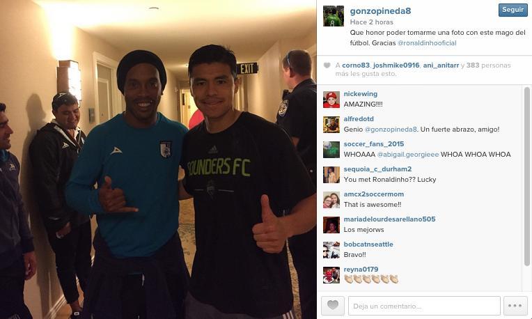 Gonzalo Pineda y Ronaldinho en Dallas