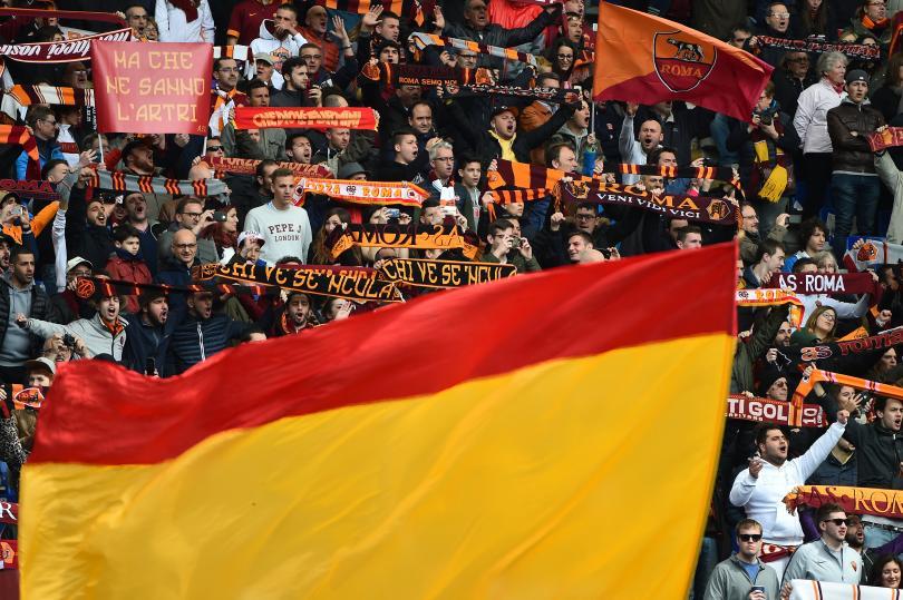 La curva sur estará cerrada en el próximo partido de la Roma en el Estadio Olímpico por una pancarta contra la madre de un aficionado napolitano asesinado.