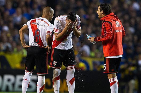 Cuatro jugadores presentaron queratitis química
