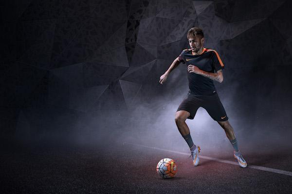Nike lanza los HYPERVENOM II