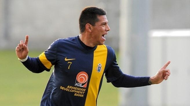 César Romero, jugador mexico-americano, se ha convertido en el máximo goleador de la liga de Armenia