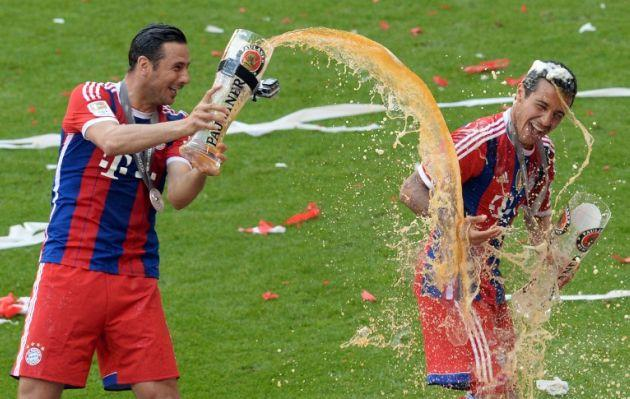 Claudio Pizarro se despide del Bayern Munich