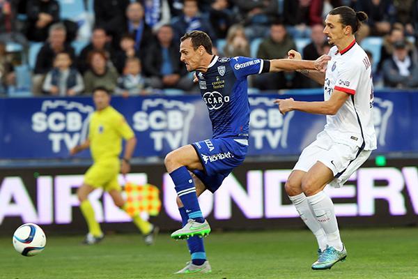 El PSG venció 2-0 al Bastia con goles del sueco.