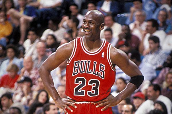 Subastan camiseta de Jordan con los Bulls en más de 170 mil dólares