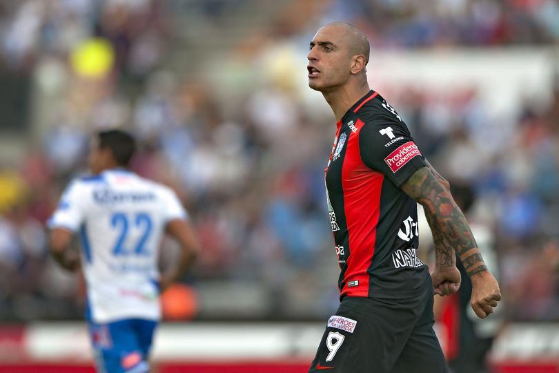 Ariel Nahuelpán se burló de la reacción de Pikolín Palacios tras entrada de Villalva