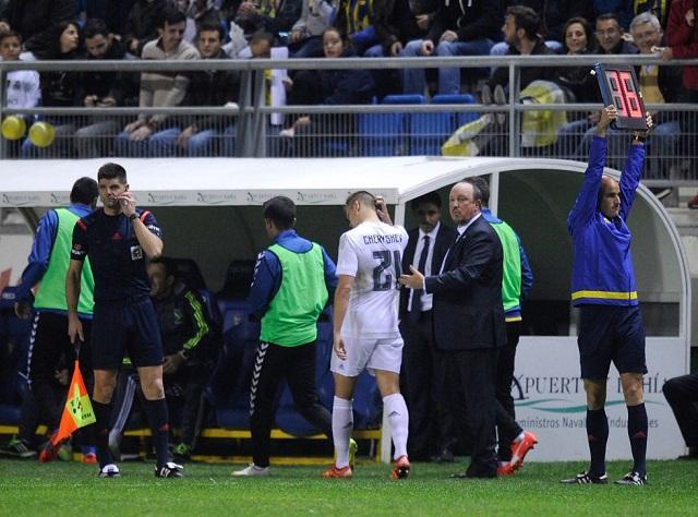 Cheryshev saliendo de cambio en el partido de la Copa Rey