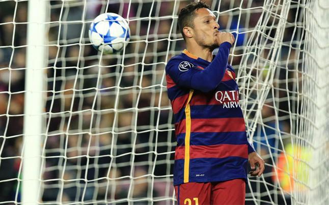 Adriano Correia, lateral del Barcelona, habría confirmado junto con su agente que está dispuesto a hacer válida la opción de renovar su contrato un año más.