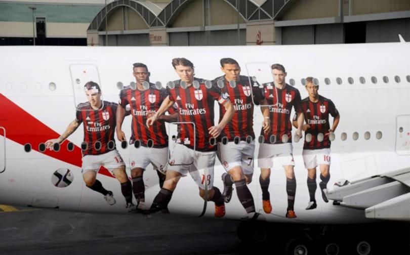 El Milan tendrá un avión personalizado que celebra su convenio de patrocinio con Fly Emirates