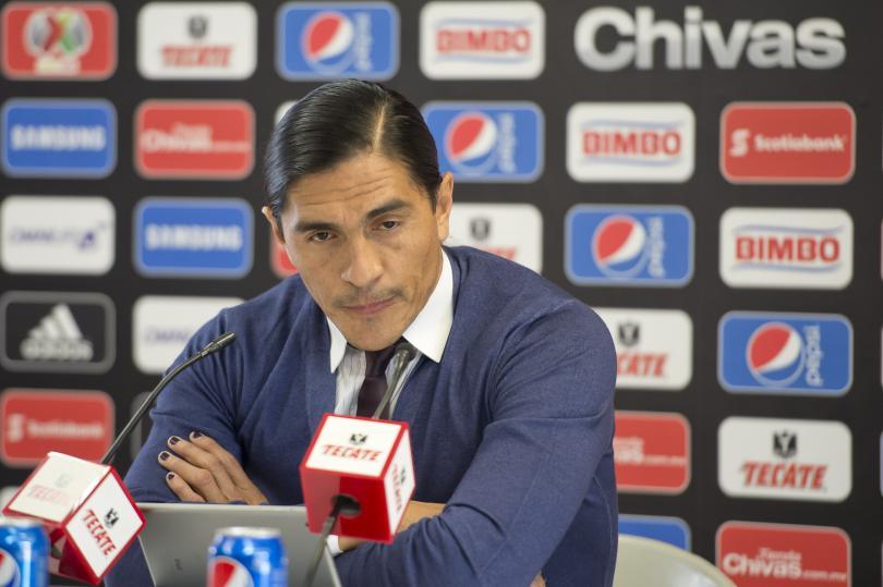 Palencia quiere dirigir un equipo en primera división, pero la burocracia de la Federación Española no se lo ha permitido