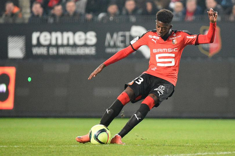 Ousmane Dembélé llamó la atención de los ojeadores del Barcelona que ofreció 40 millones de dólares por él, pero El Rennes se negó a dejarlo ir.