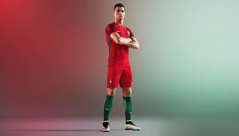 Cristiano Ronaldo es la imagen del uniforme. d69835c6a8bb8