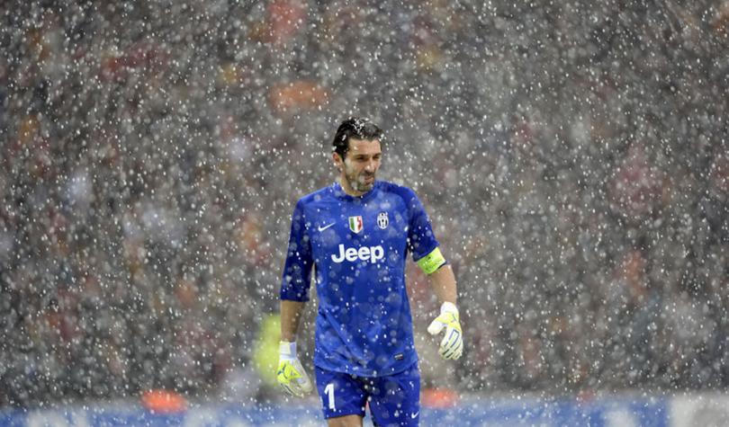 Buffon rompe récord en Serie A de Italia al completar 930 minutos sin recibir goles.
