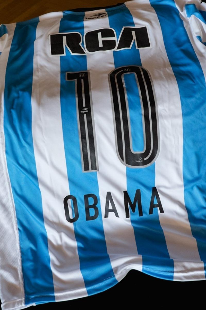 La camiseta de Racing no era la que esperaba Obama