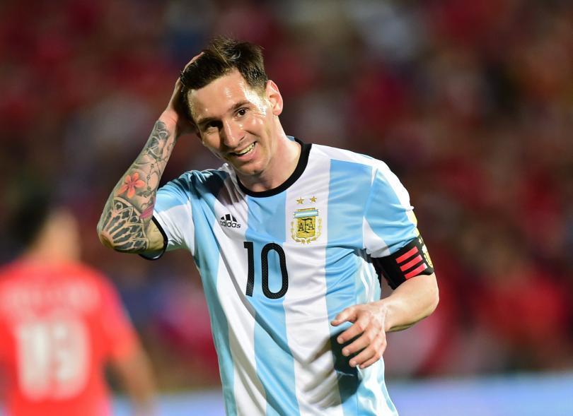 Jugadores argentinos preocupados por las condiciones de la cancha donde se jugará el Argentina - Bolivia