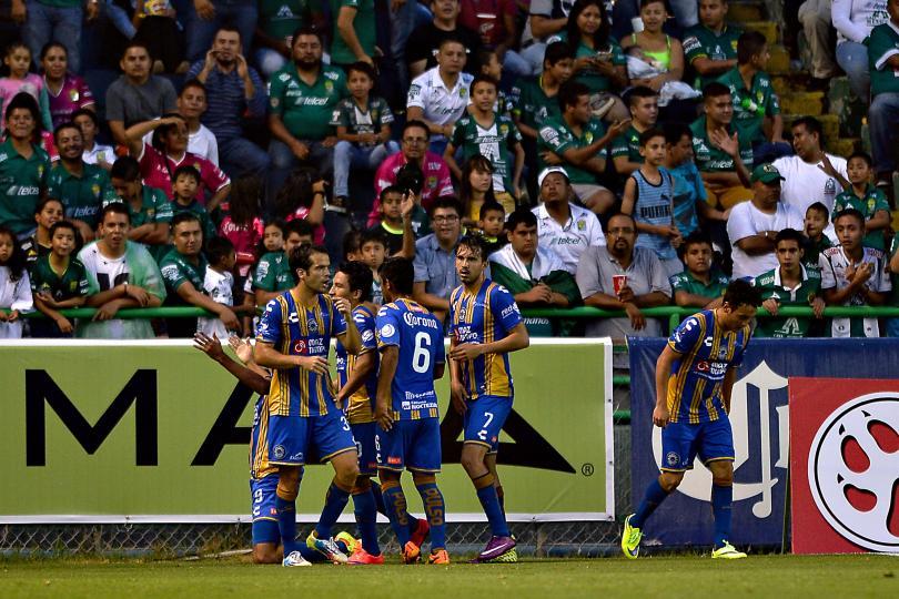 Othoniel Arce, delantero de San Luis, aseguró molesto que la decisión del técnico Carlos Bustos no la habría realizado él. El equipo regaló un gol en acto de fair play.