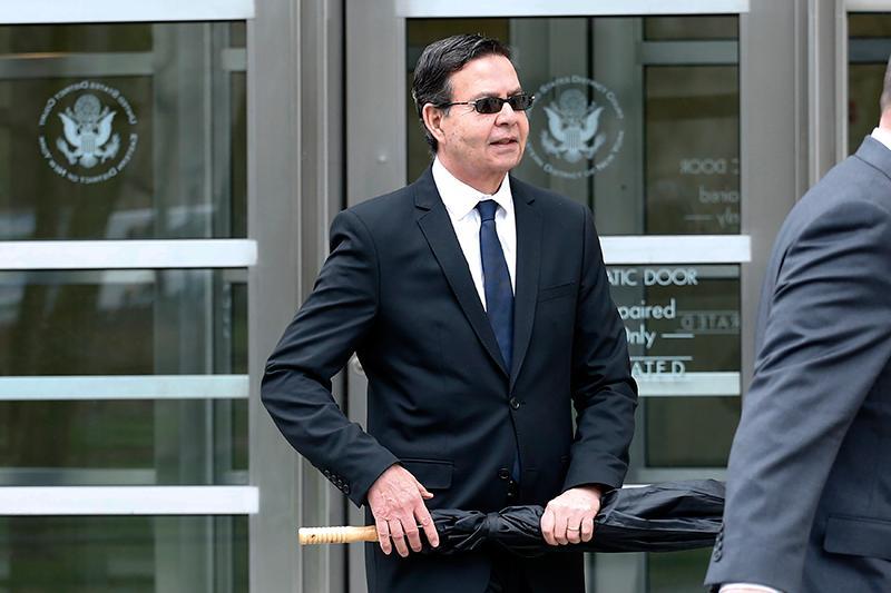 Rafael Callejas, tras salir de la corte de Nueva York