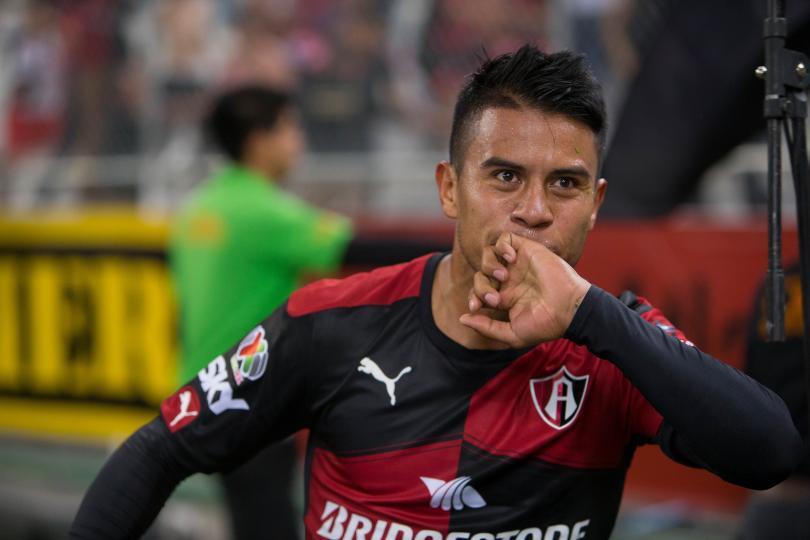 Juan Carlos Medina aseguró que los árbitros se desquitan con ellos por ser de TV Azteca