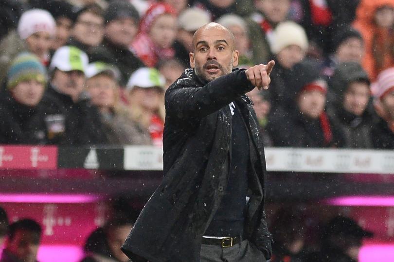 Pep Guardiola quiere a ocho jugadores para reforzar al Manchester City; tendría un límite de 300 millones de libras