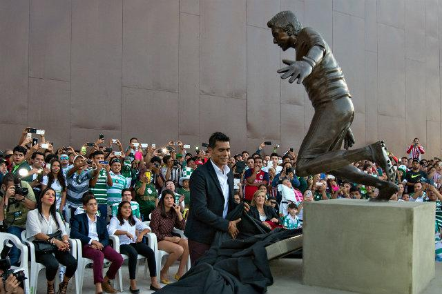 Develación de estatua
