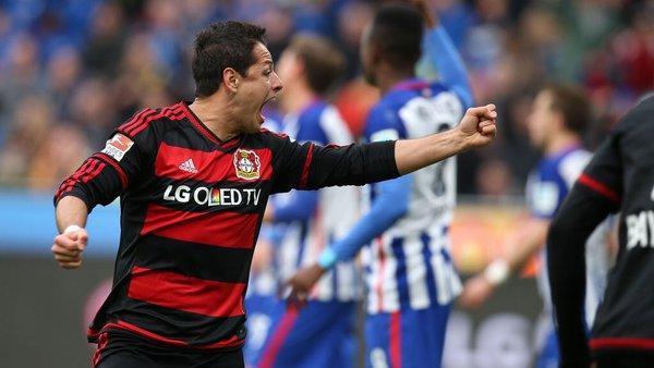 Chicharito está en el equipo de la temporada de la Bundesliga