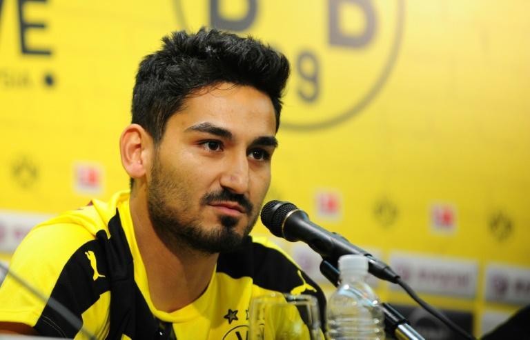 Gündogan durante una rueda de prensa con el Borussia Dortmund.