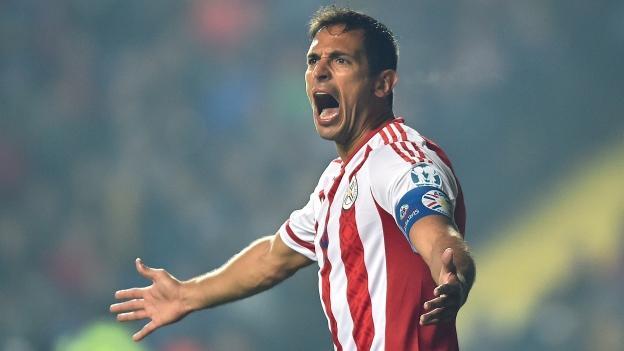 Roque Santa Cruz se desligó de Cruz Azul, el exdelantero de la máquina, rescindió su contrato y jugará en el Olimpia de Paraguay, equipo donde debutó.