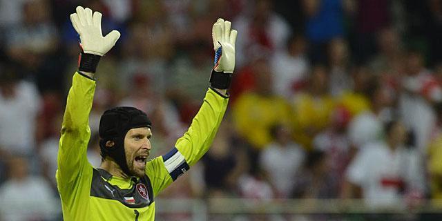 Petr Cech, arquero de la Selección de República Checa, anunció que no volverá a vestir los colores de su país, luego de la Eurocopa en Francia.