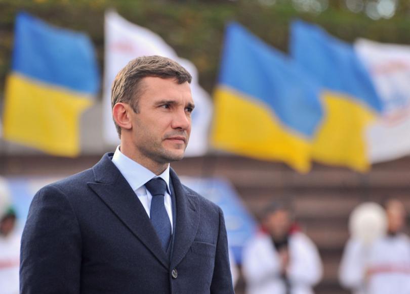 Andriy Shevchenko es el nuevo director técnico de la Selección de Ucrania, el ídolo del país europeo, fue contratado de cara a las eliminatorias del Mundial de Rusia 2018.