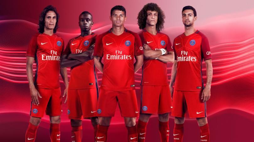 PSG presenta espectacular uniforme rojo 10447d7573ffa