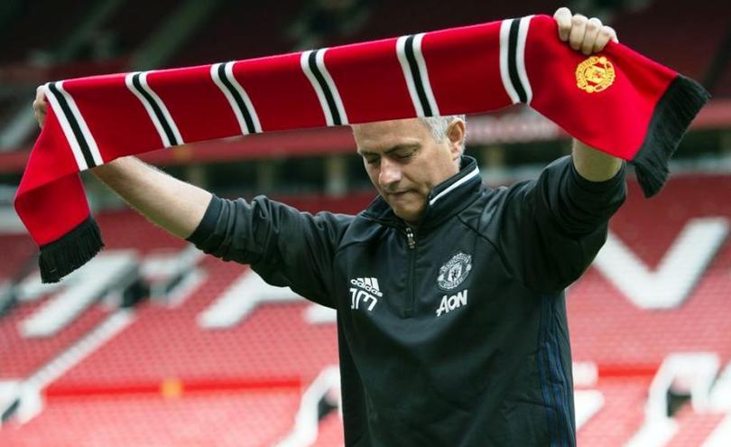 Mourinho espera quitar la mentalidad de Van Gaal del Manchester United