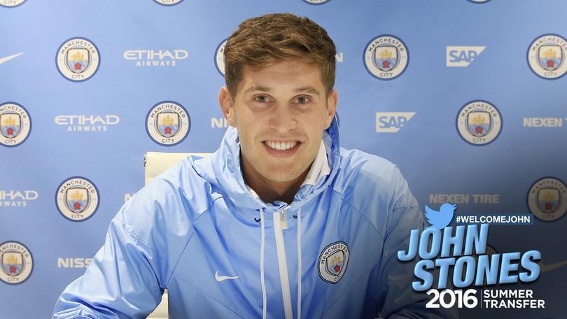 John Stones firma con el City