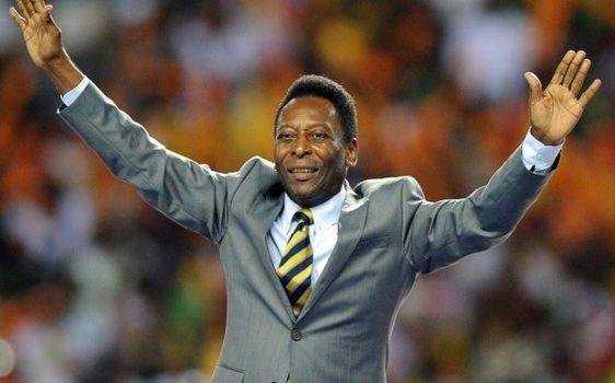 Pelé agradece a la gente que asistió a los Olímpicos