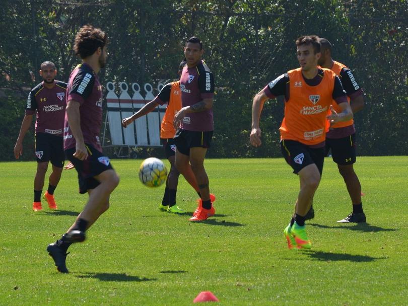 Aficionados invaden el entrenamiento del Sao Paulo
