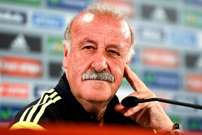 El ex entrenador de España no se ha alejado del futbol, ahora pretende impartir su filosofía de trabajo
