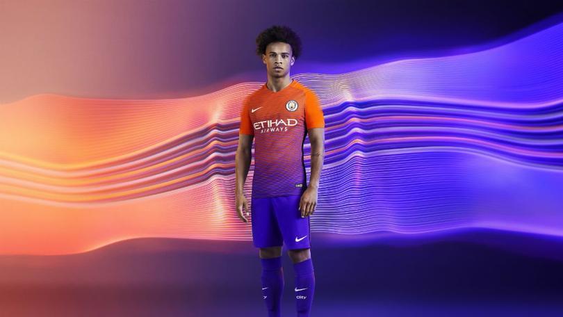 Manchester City presenta su tercer uniforme d2164f25205fe