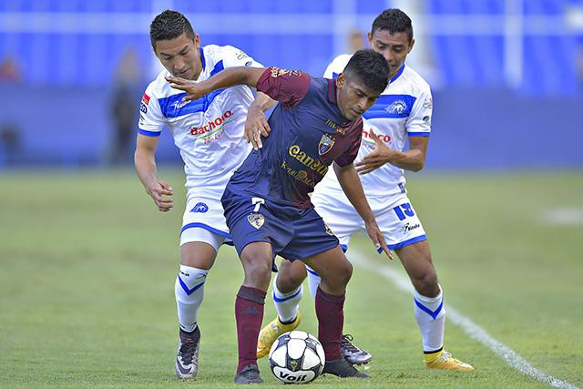 Villaluz juega con Celaya