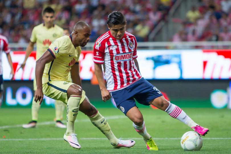 Chofis López entiende por qué perdió la titularidad con Chivas.