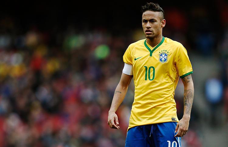Neymar, delantero del Barcelona y de la Selección de Brasil, habló sobre los compatriotas con los que le habría gustado compartir campo, luego de que ha coincidido con grandes estrellas del futbol como Messi, Ronaldinho o Kaká, entre otros.
