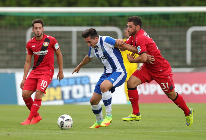 Héctor Herrera tiene la confianza de su técnico para recuperar su nivel